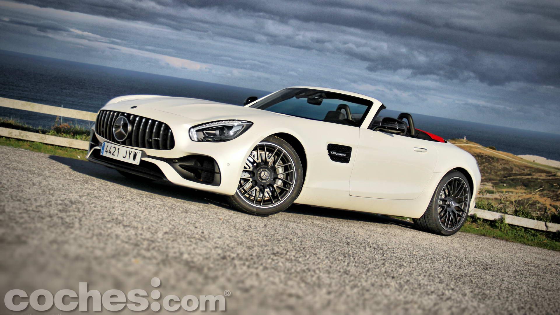 Mercedes_AMG_GT_Roadster_001