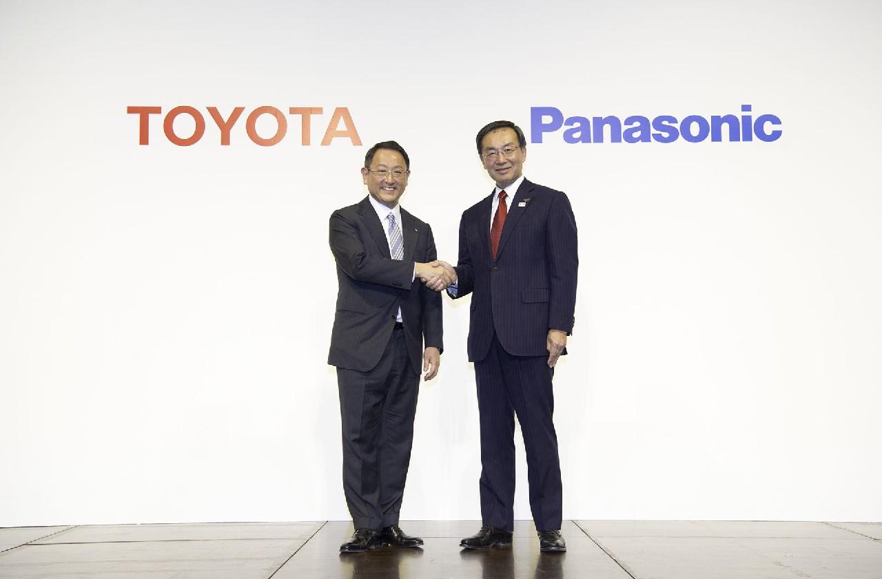 Toyota-panasonic-desarrollo-baterias (4)