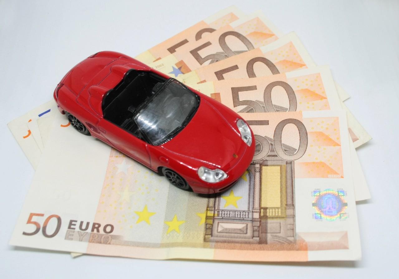 dinero-coche-financiacion 3