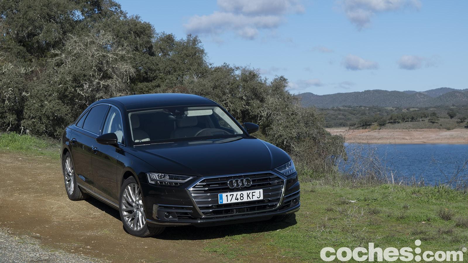 Prueba contacto Audi A8 L 50 TDI, ¿conducir o ir atrás?