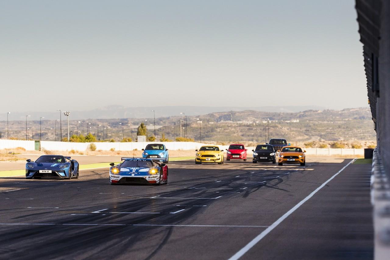 Circuito Motorland : Ocho modelos de ford performance se dan cita en el circuito de motorland