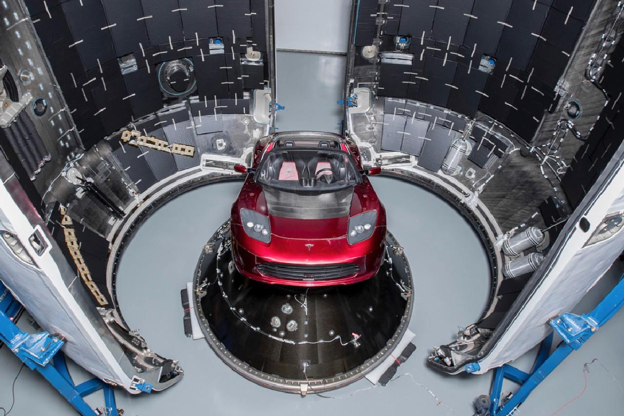 tesla-roadster-space-x 2