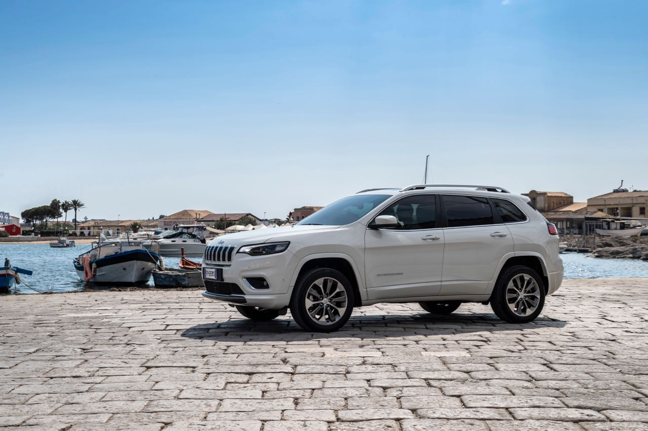 Jeep Cherokee Overland 2019 – 1