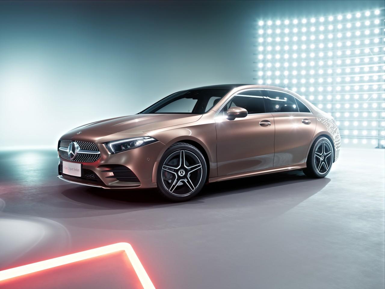 Neues Mitglied der Kompaktklasse-Familie: Weltpremiere der A-Klasse L Limousine