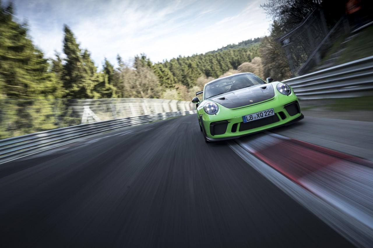 porsche-911-gt3-rs-nurburgring 3