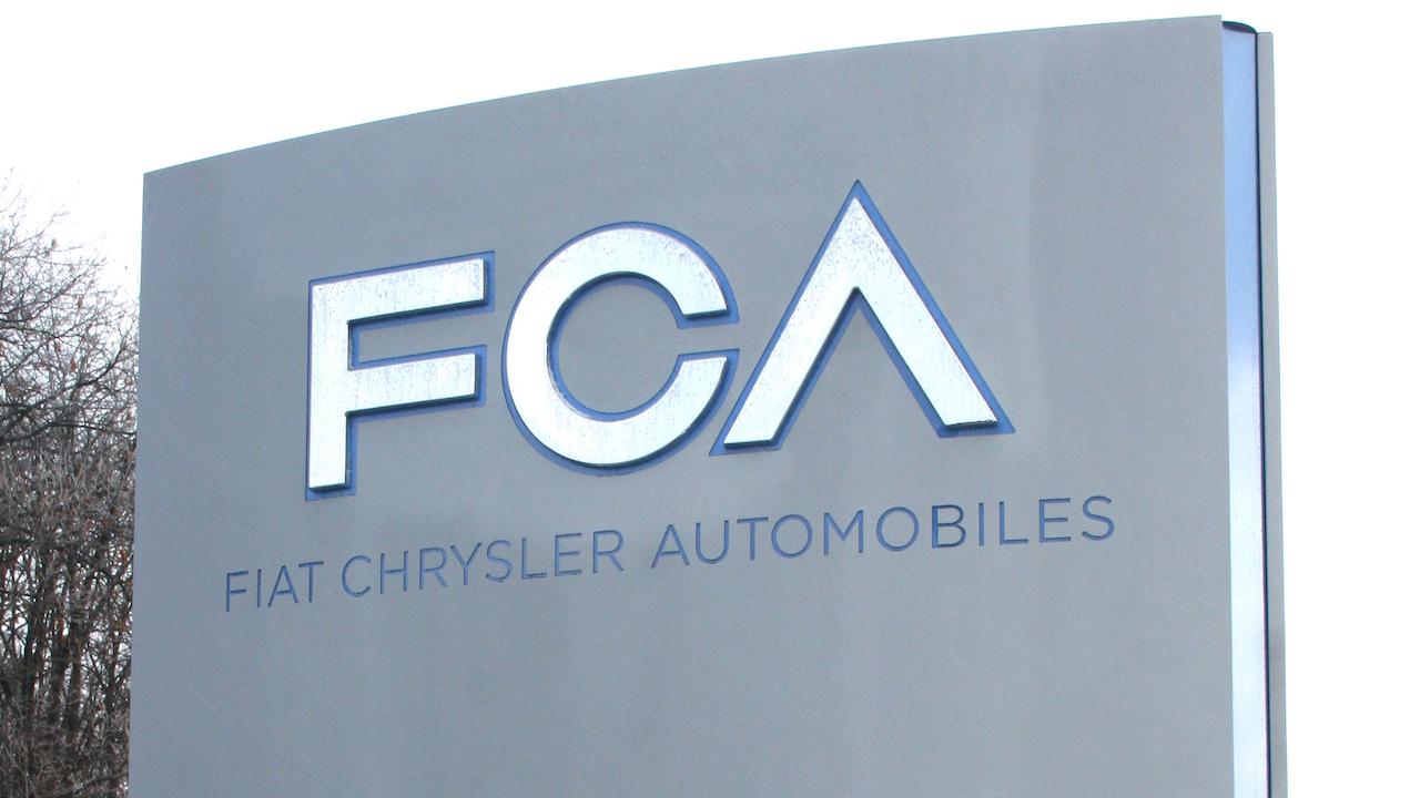 FCA logo central