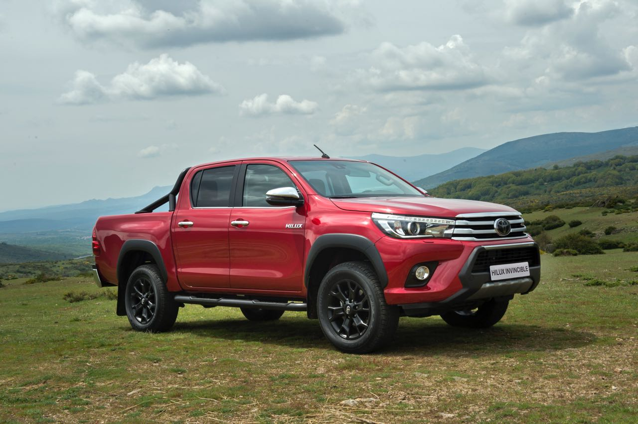 Toyota Hilux Invincible 2018 – 14
