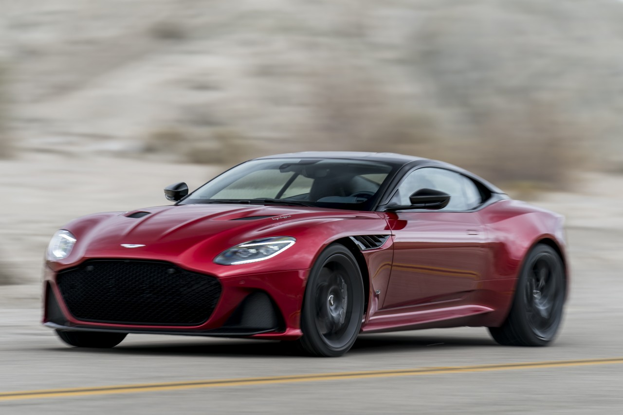 aston-martin-dbs-superleggera-2019 10