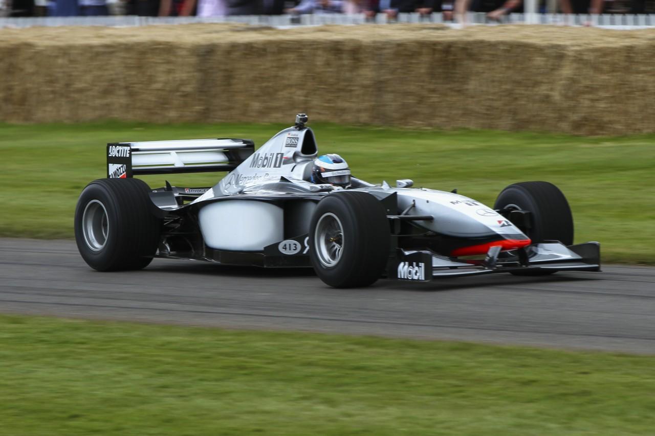 McLaren_MP4-13_at_Goodwood_FOS_2012