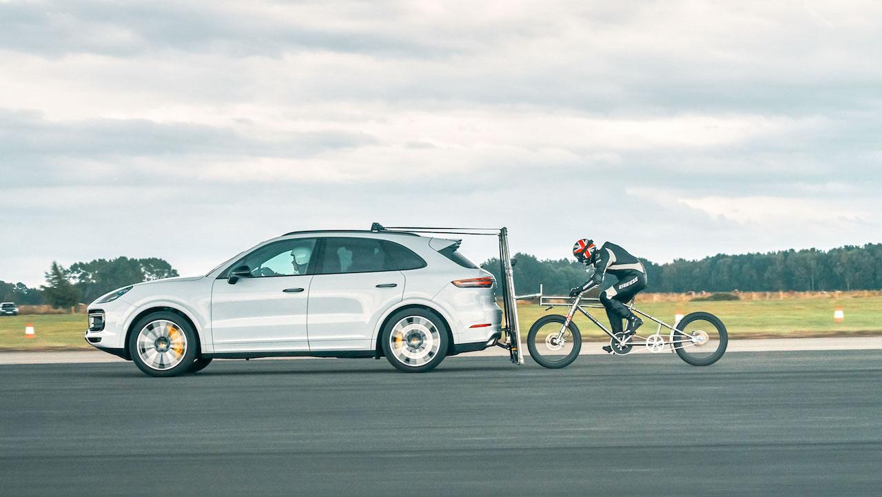 porsche-cayenne-turbo-record-bicicleta-4