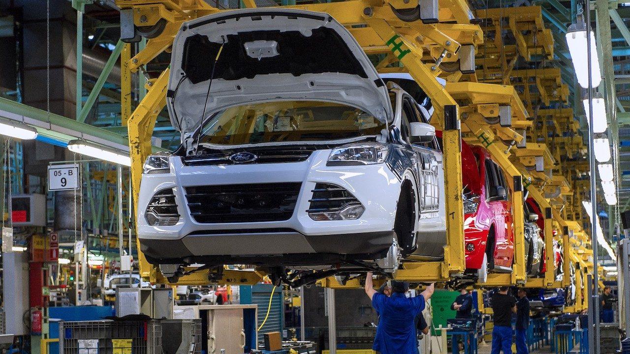 Los Nuevos  S-MAX, Galaxy y Ford Mondeo Vignale Empiezan a Rodar Desde la Planta Ford de Valencia