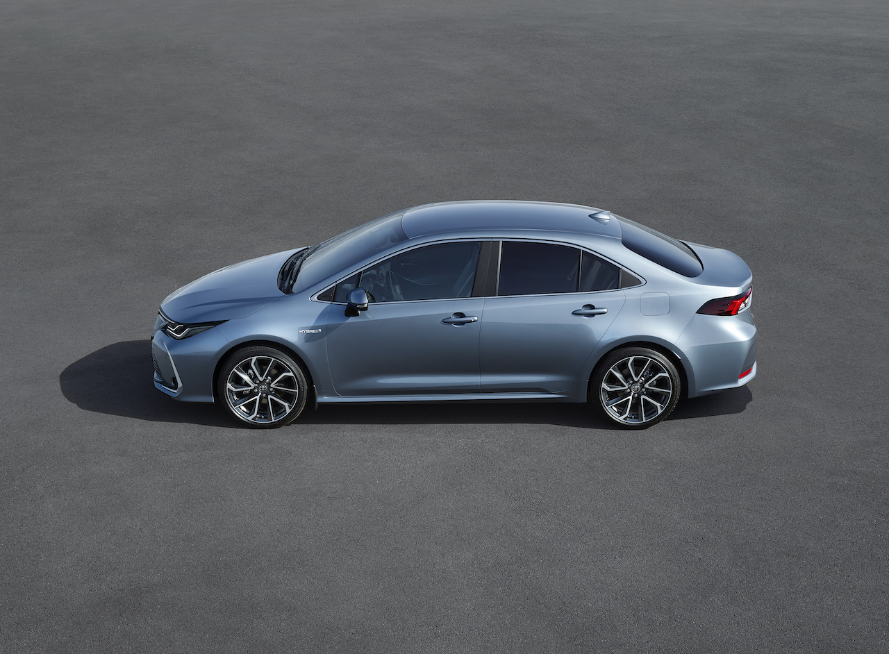 toyota-corolla-sedan-4