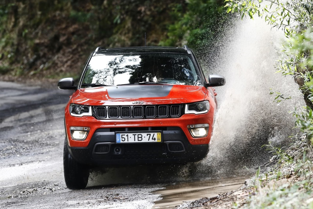 Jeep-Compass-Trailhawk-7