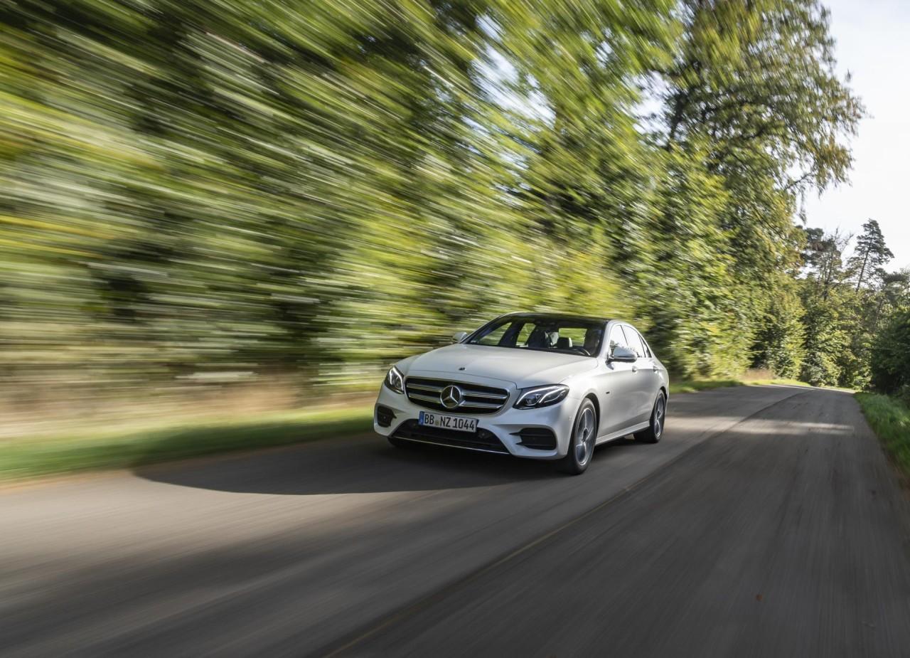Mercedes-Benz E 300 de (8)