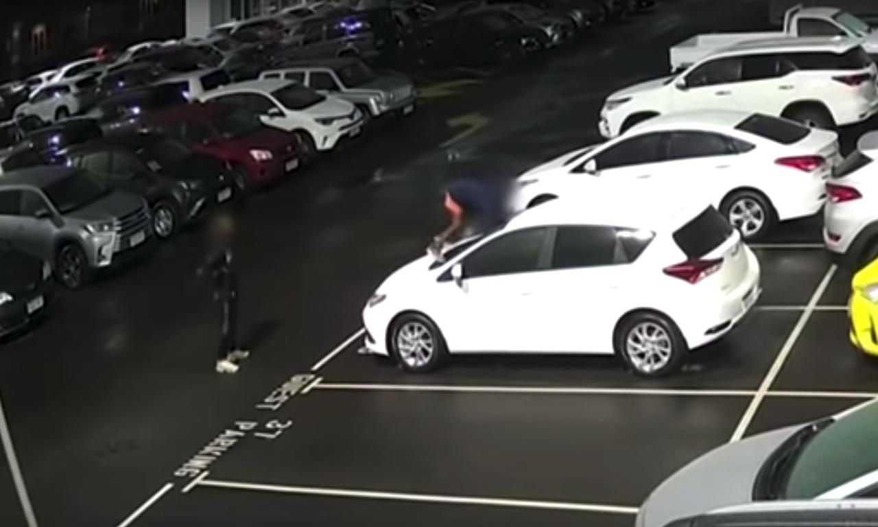 destrozan-coches-australia