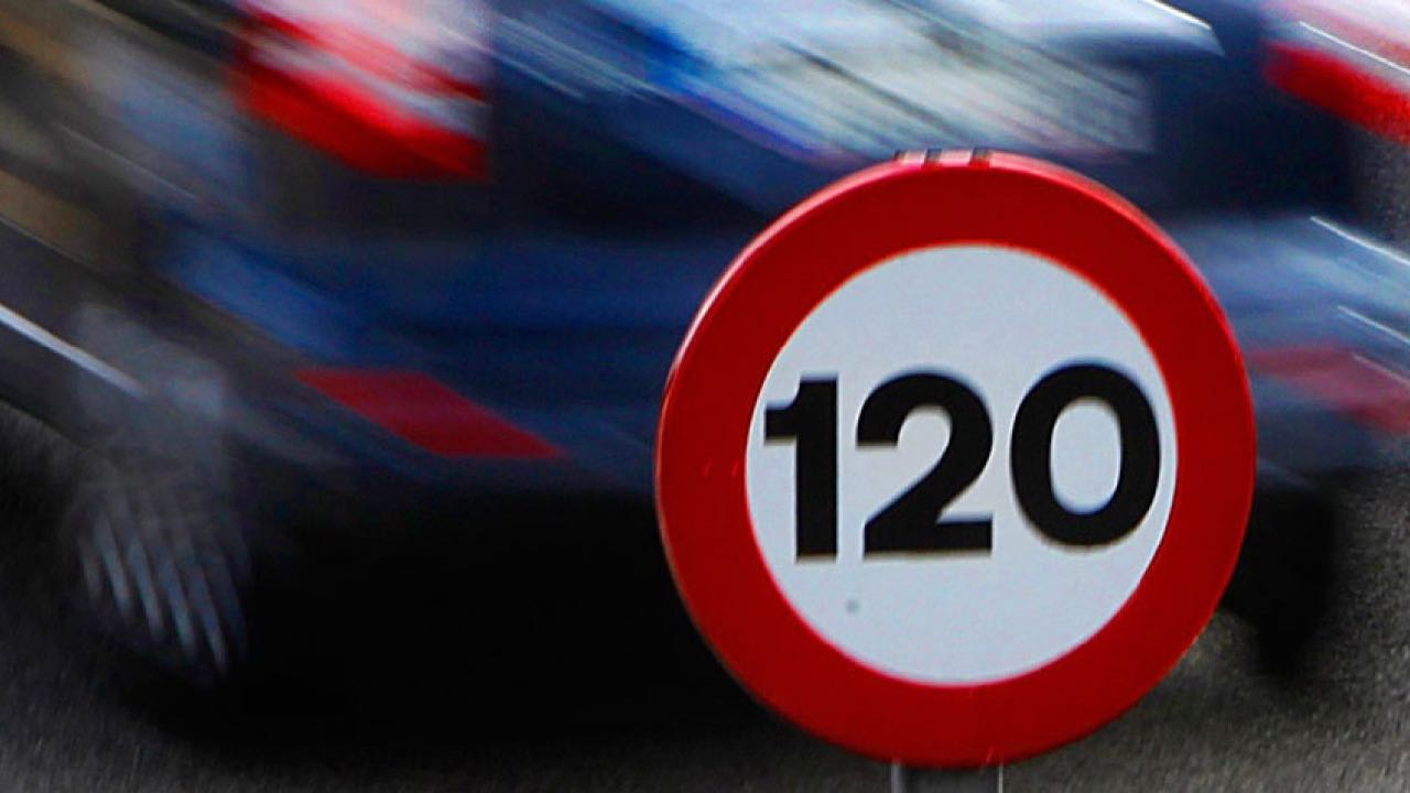 limite velocidad 120 kmh