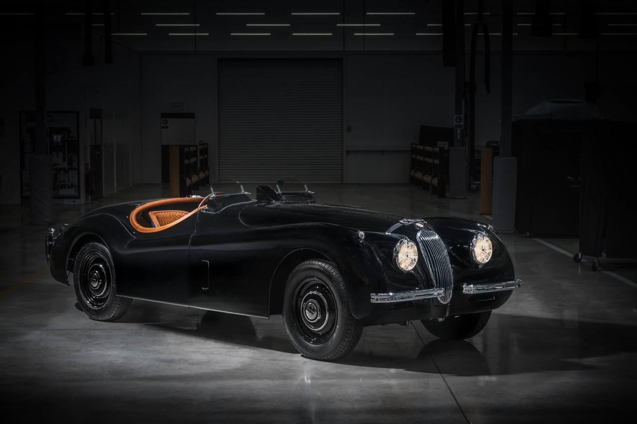 1954 Jaguar XK 120 (1)