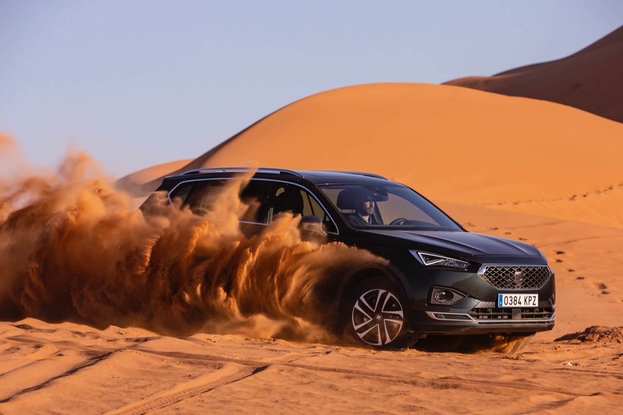 Conducir coche desierto SEAT Tarraco – 2