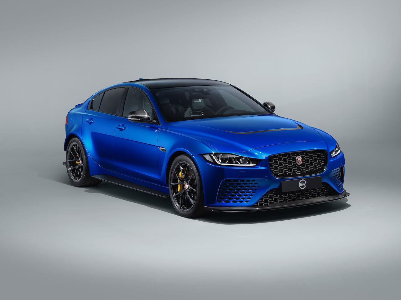 jaguar-xe-sv-project8-touring-1