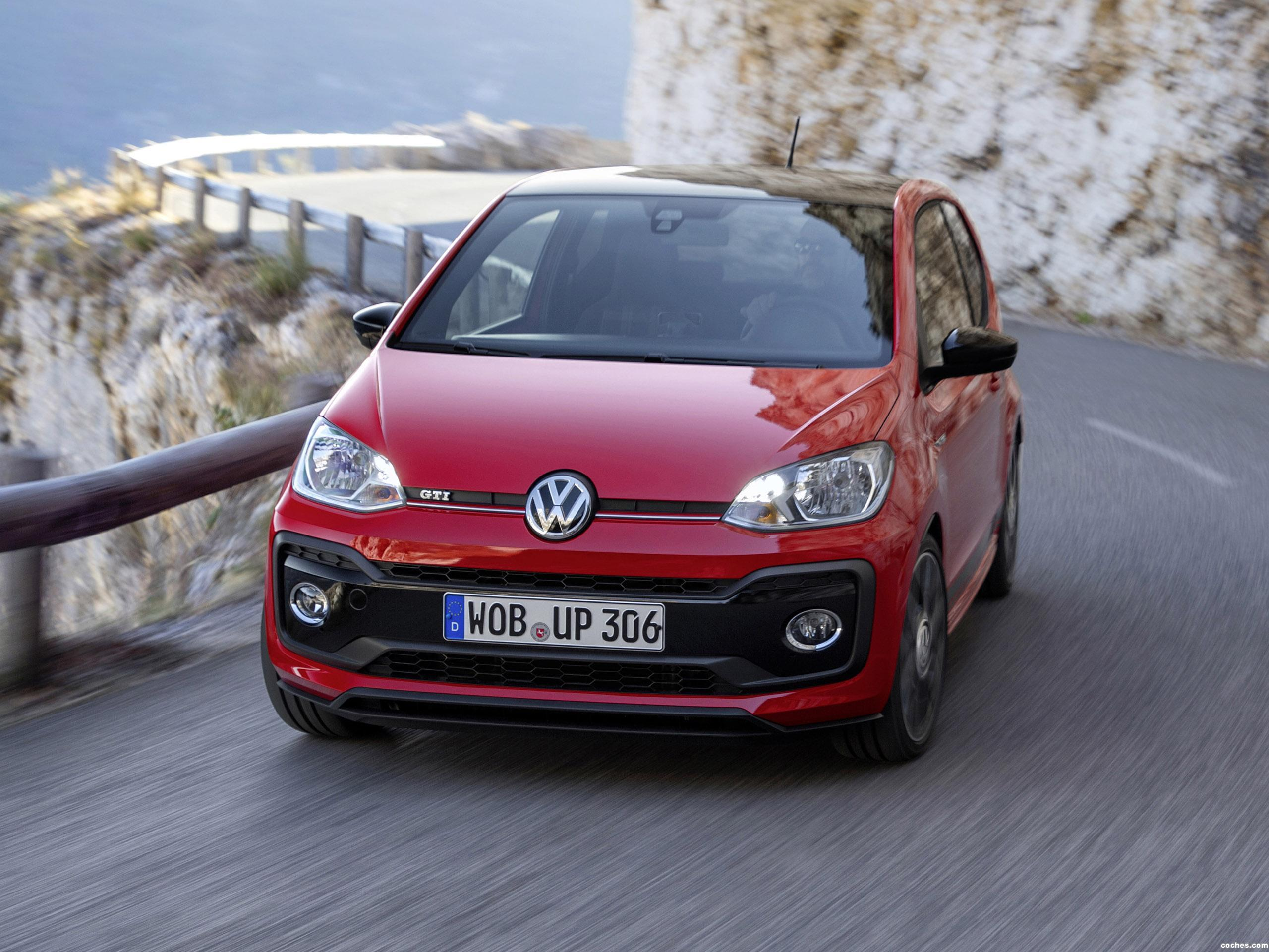 volkswagen_up-gti-2018_r32.jpg