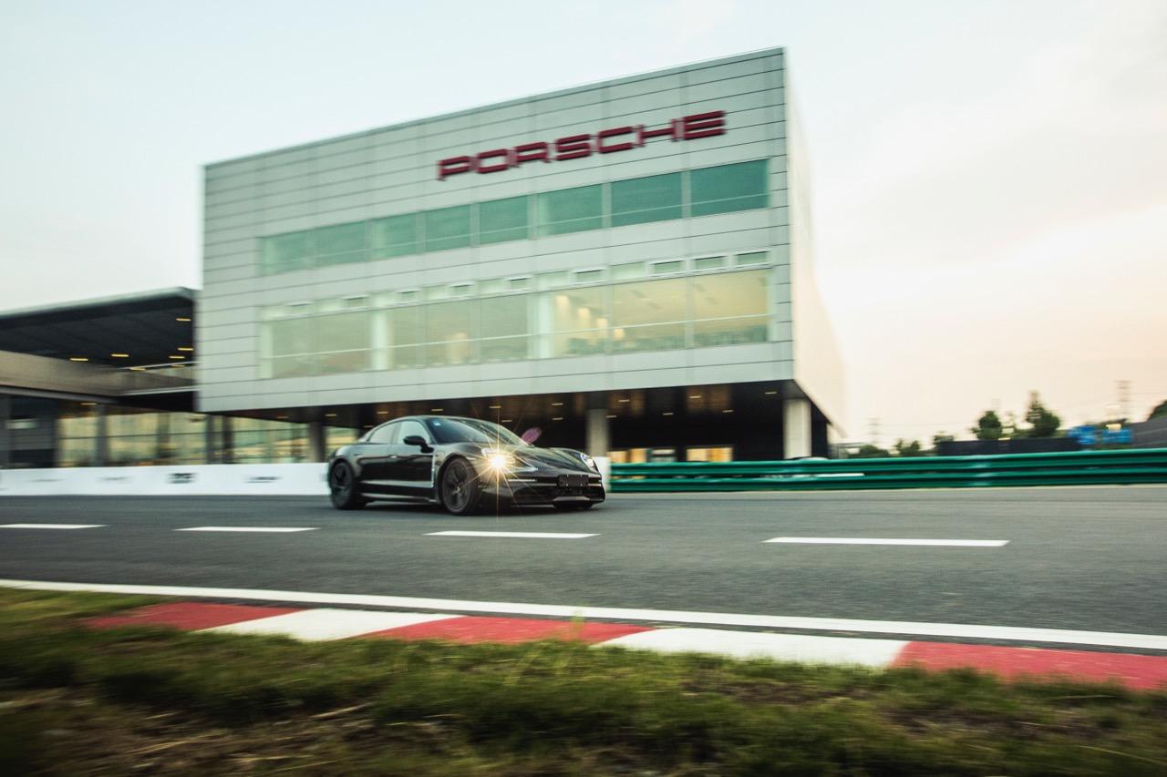 Porsche Taycan – 1