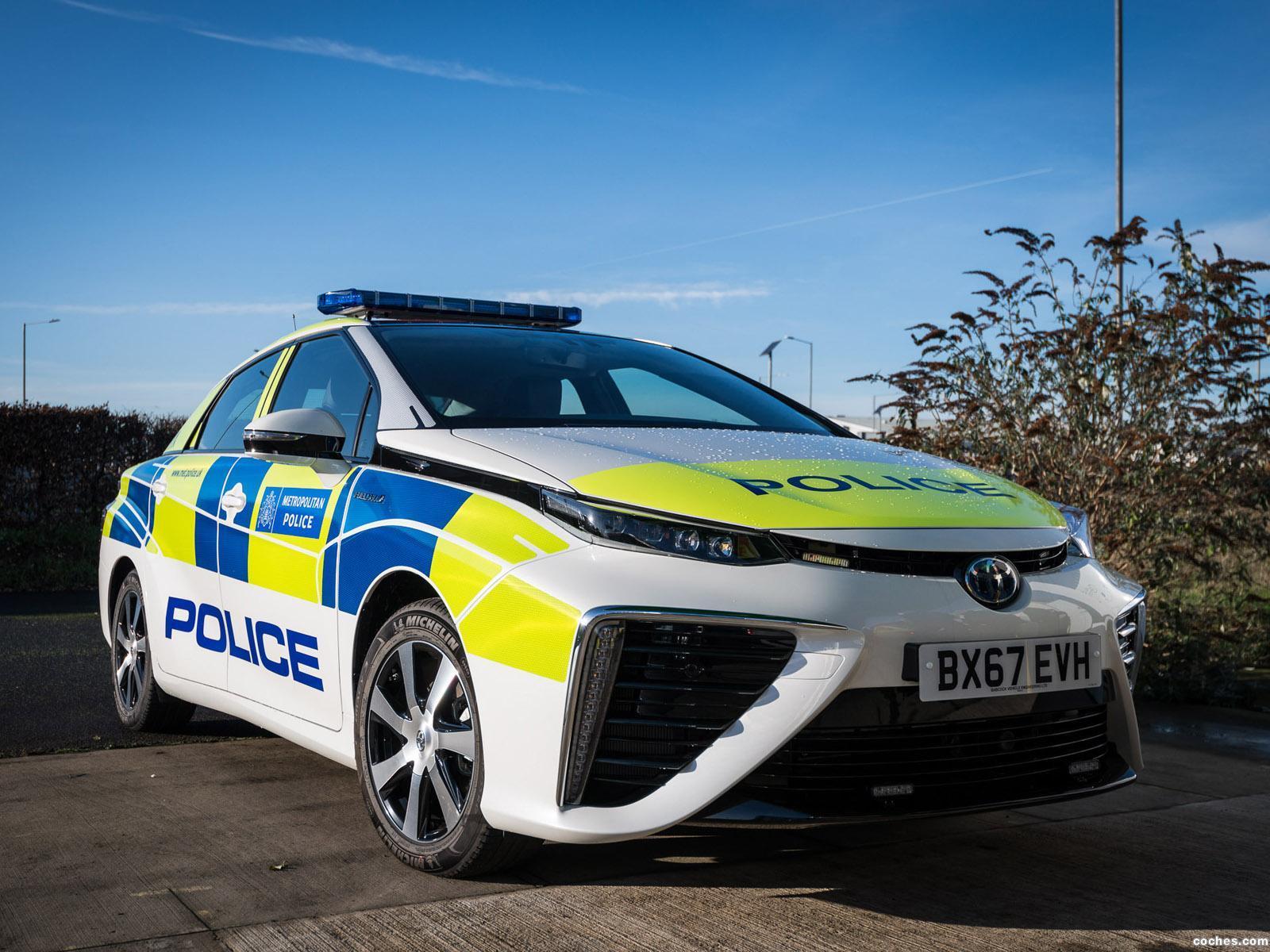 toyota_mirai-police-uk-2018_r4.jpg