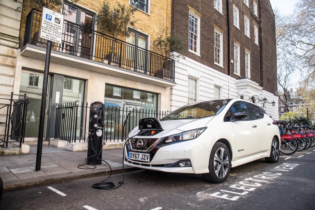 Nissan Leaf recarga – 1