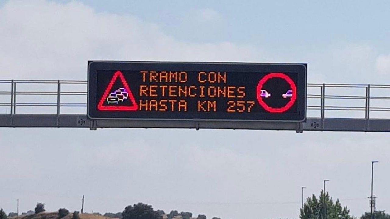 panel informativo autopista