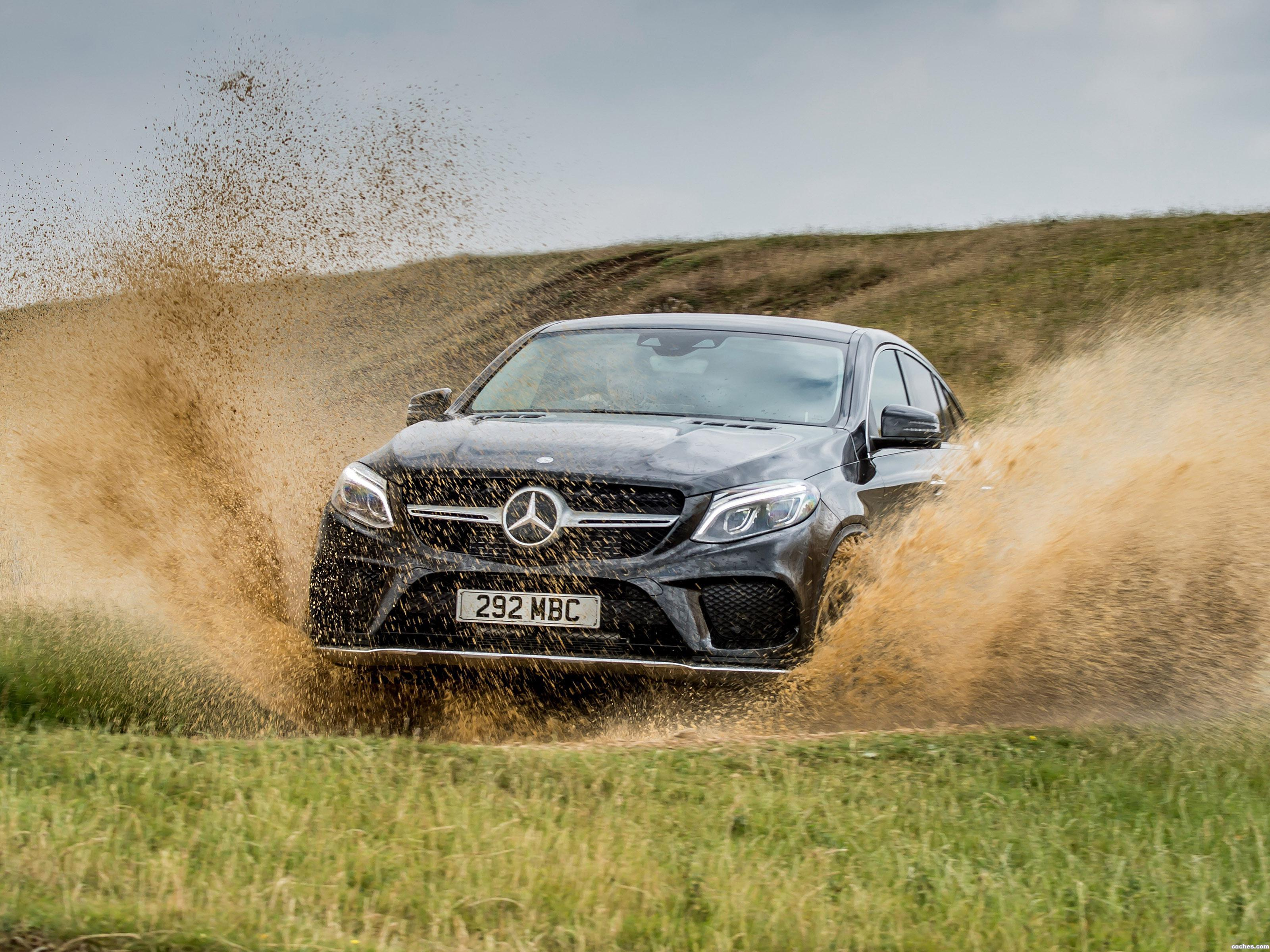 mercedes_gle-350-d-4matic-coupe-amg-line-c292-uk-2015_r24.jpg