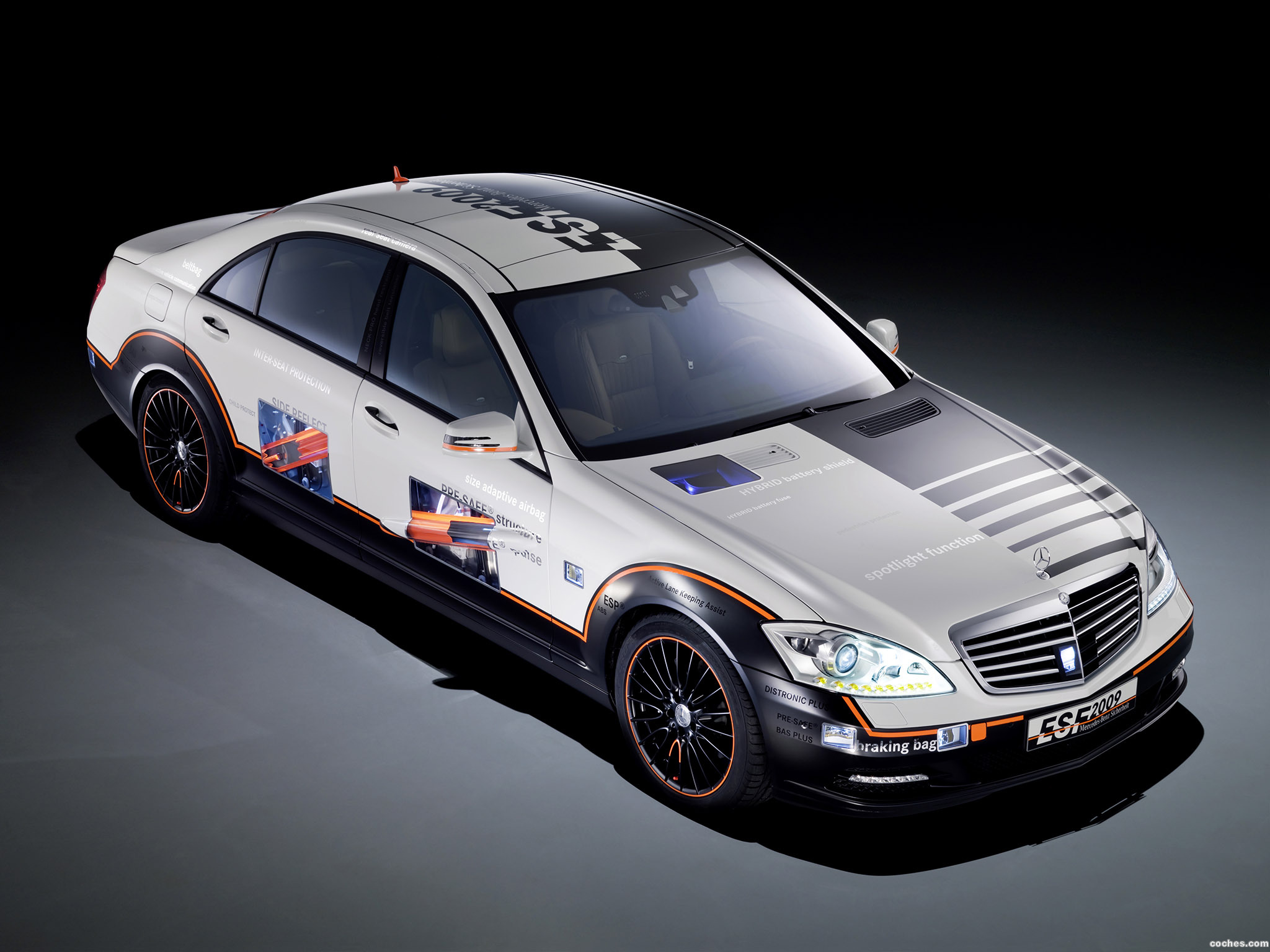 mercedes_s-esf-experimental-safety-vehicle_r6.jpg