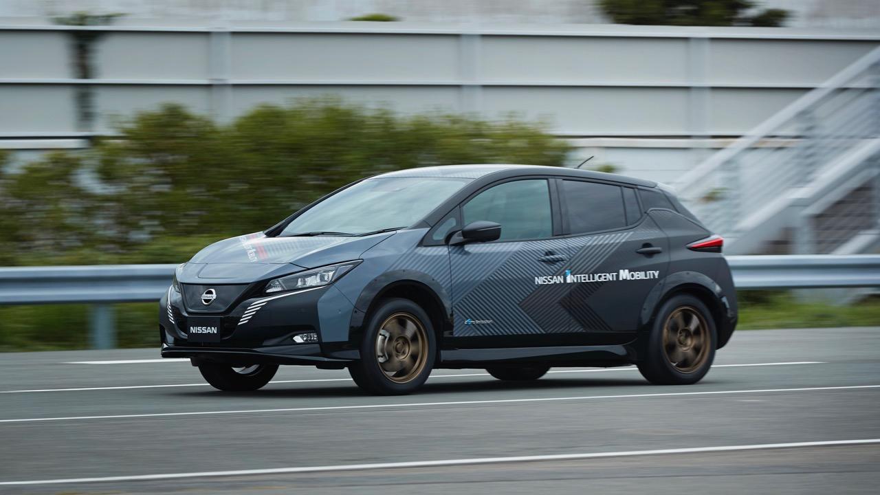 Nissan Leaf prototipo doble motor electrico – 11