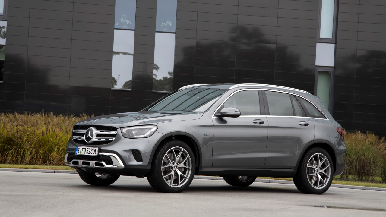 Mercedes-Benz GLE 350 de 4MATIC und GLC 300 e 4MATIC: Neue Plug-in-Hybride der dritten Generation: Der nächste Sprung bei der ReichweiteMercedes-Benz GLE 350 de 4MATIC and GLC 300 e 4MATIC: New third-generation plug-in hybrids: The next jump in operatin