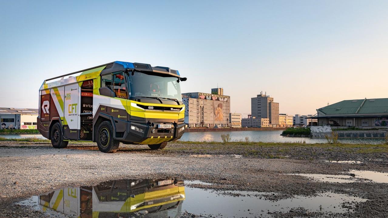 Rosenbauer CFT Concept Fire Truck (4)