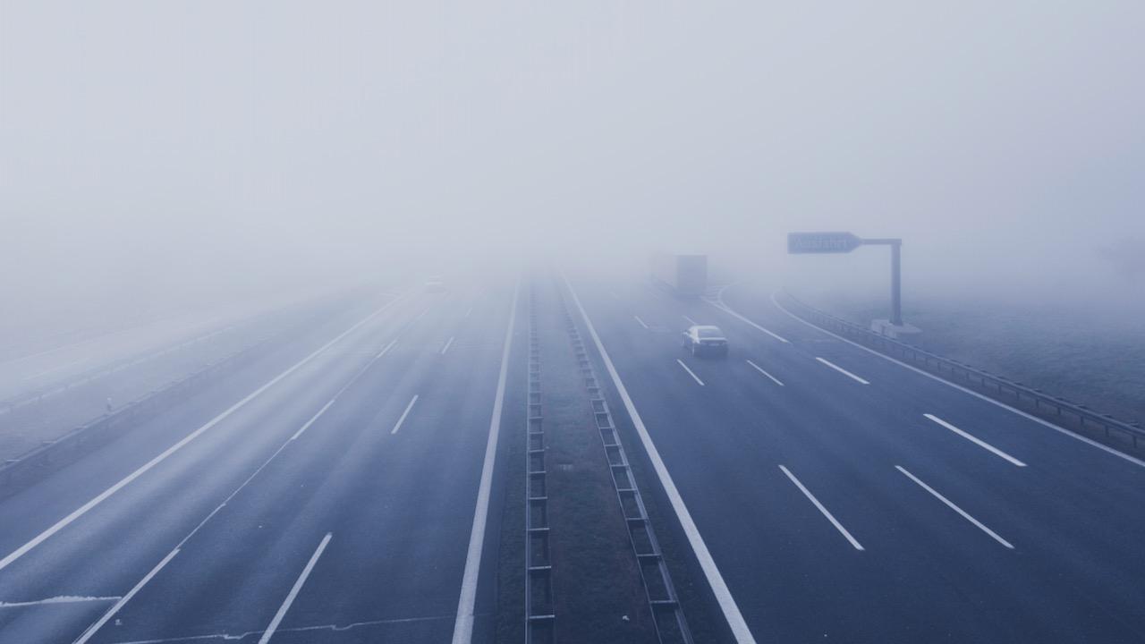 Niebla en autopista