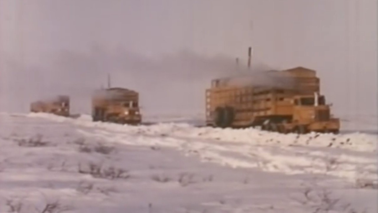 Convoy Artico Camiones Mack (5)