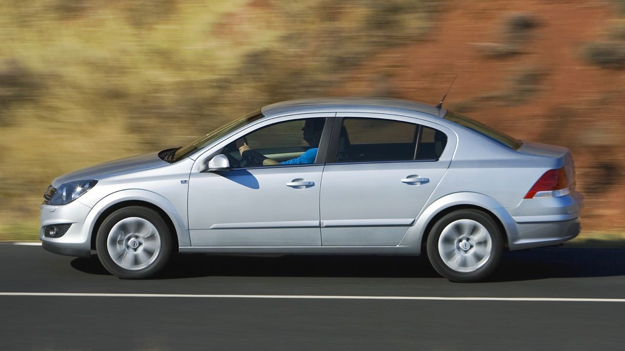 Opel Astra Sedan 2007 – 21