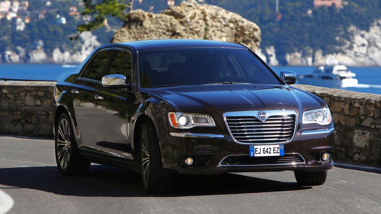 Lancia Thema 2012 – 11