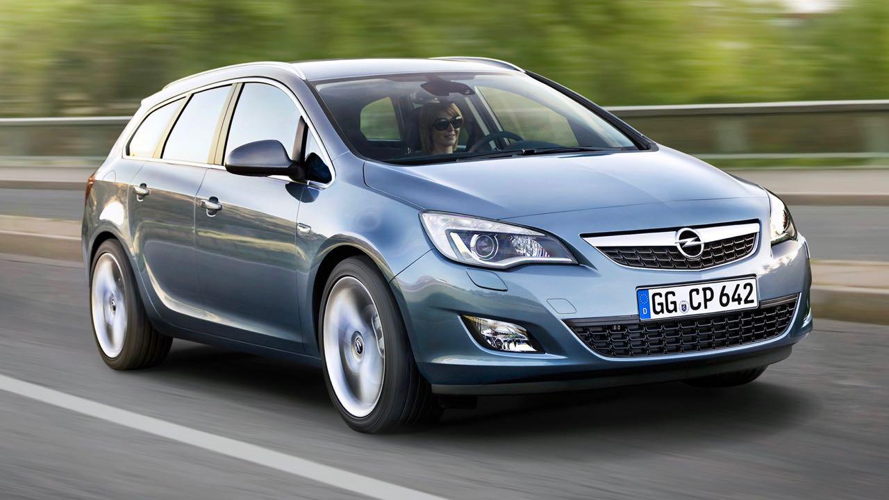 Opel Astra Sports Tourer 2010 – 1