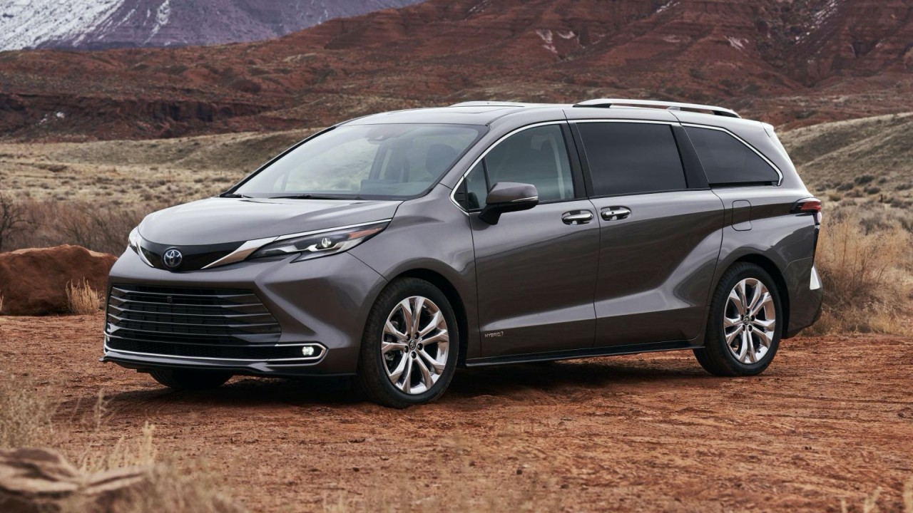 2021-Toyota-Sienna-7