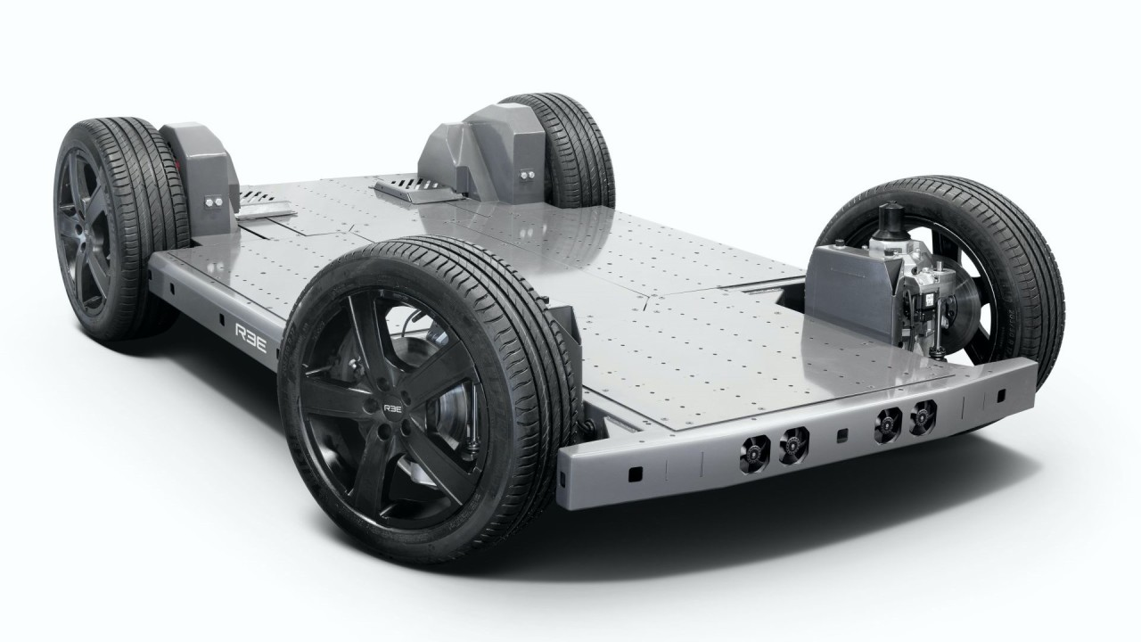 KYB Corporation REE Automotive Plataforma Modular Electrica (1)