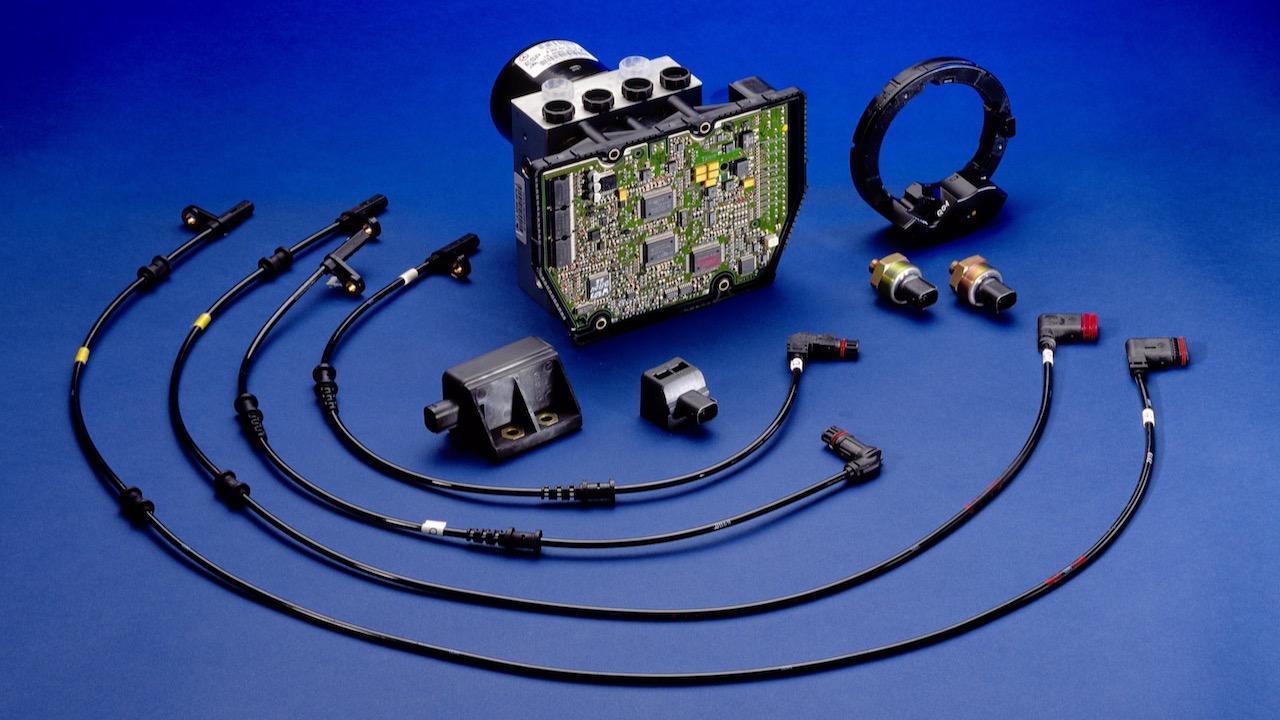 Serienpremiere des Elektronischen Stabilitäts-Programms ESP® vor 25 JahrenSeries production premiere of the Electronic Stability Program ESP® twenty-five years ago