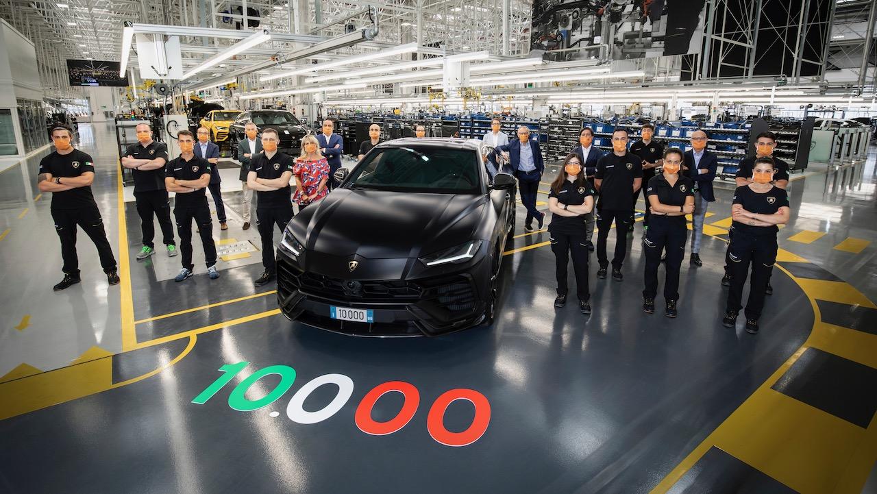 Lamborghini Urus 10k – 1