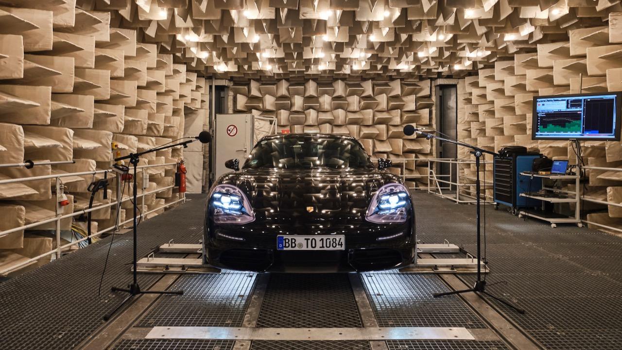 Porsche Taycan sonido – 1