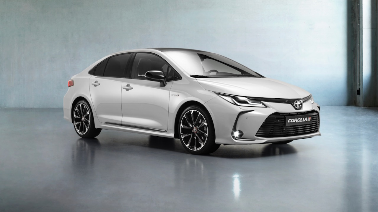 Toyota Corlla Sedan GR Sport – 1 (1)