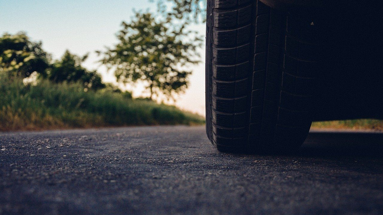 Neumático de un coche