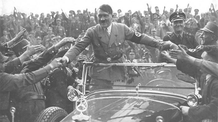 Hitler - Mercedes 770