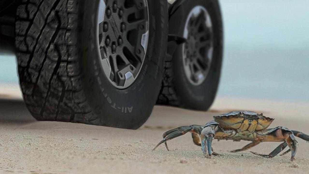 2022 GMC-Hummer-EV-Crab-Mode (1)
