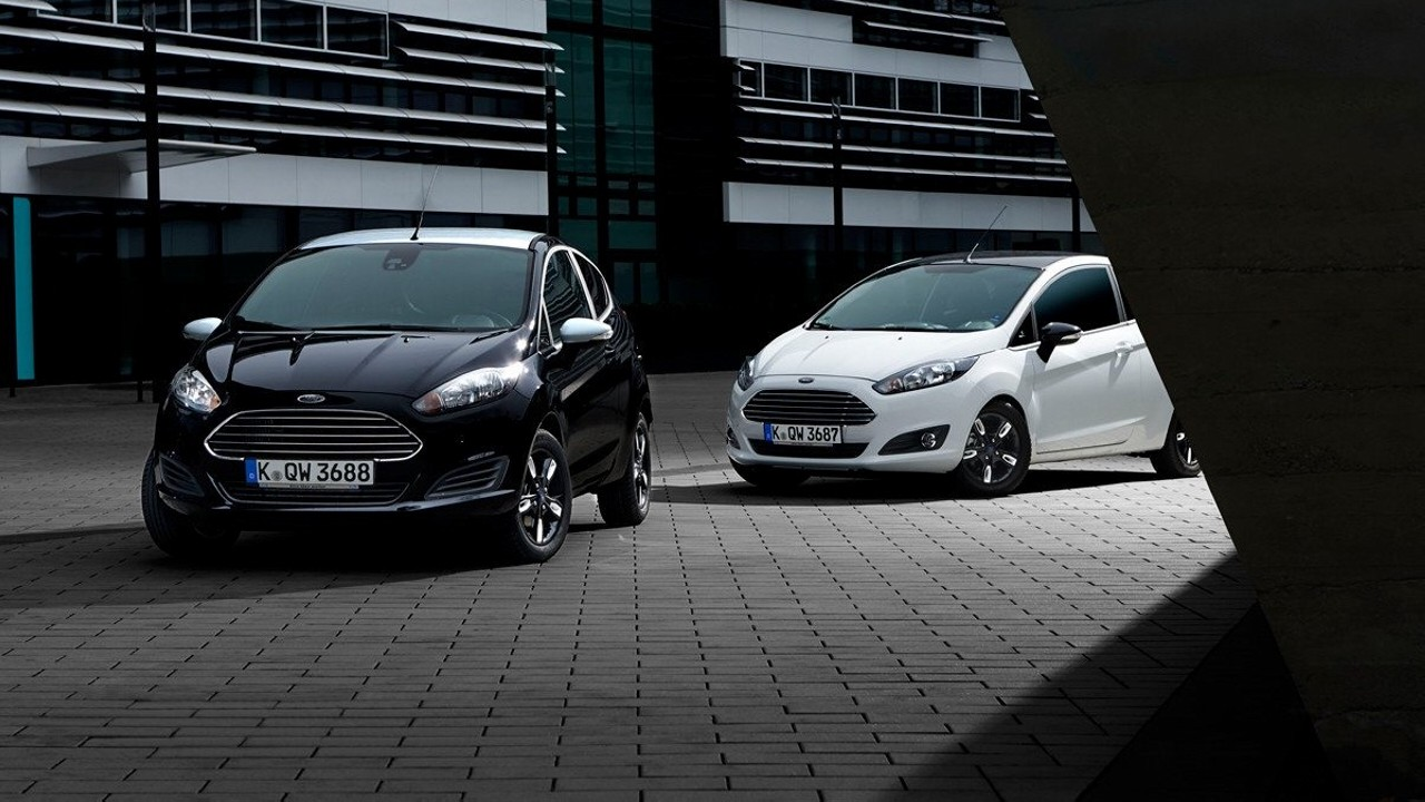 ford-fiesta-black-white