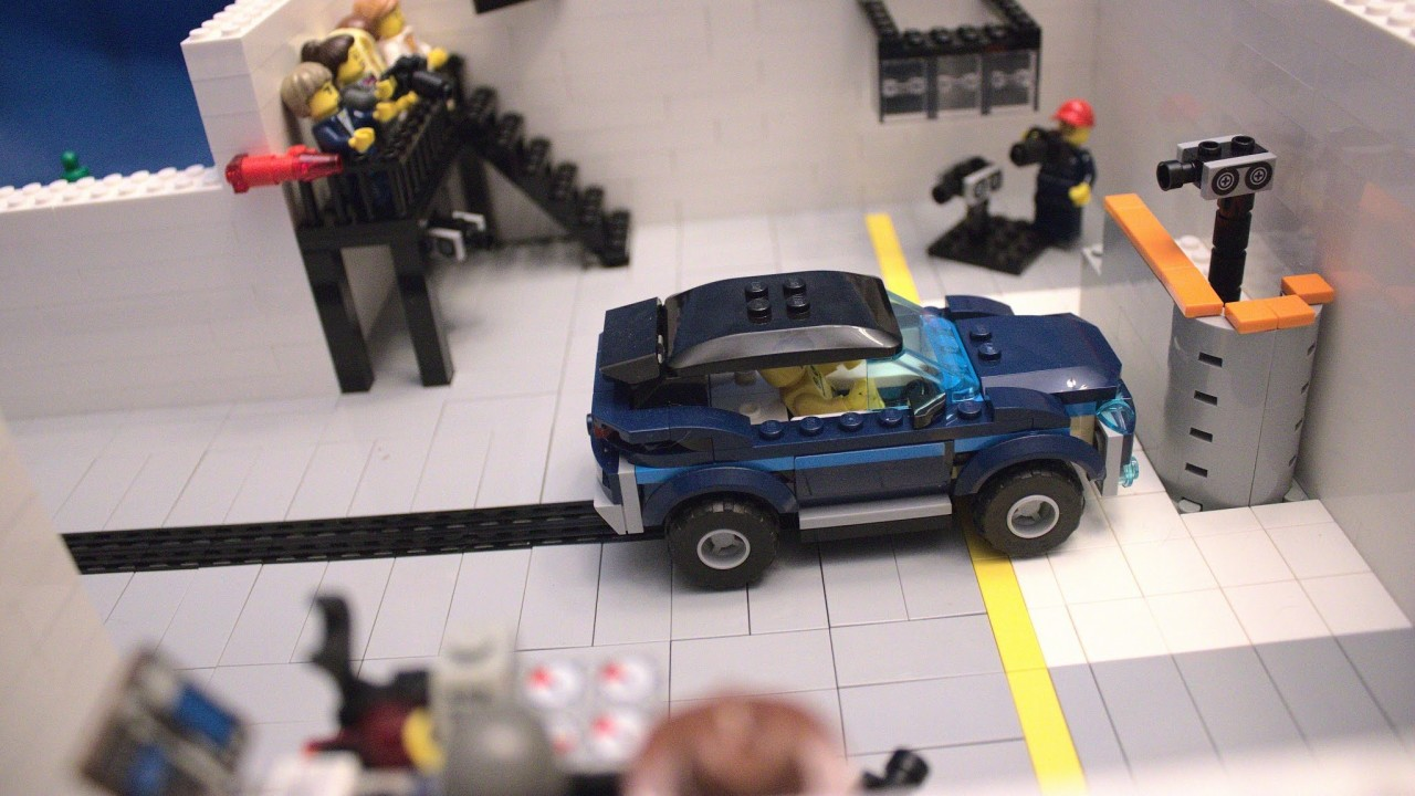 LEGO Crash Test IIHS (1)