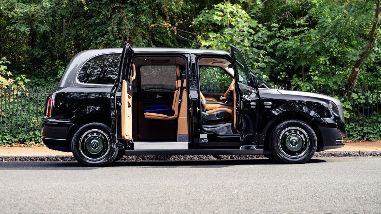 Taxi Lujo Londres – Sutton VIP Class LEVC (4)